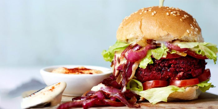 Hamburger with Beetroot